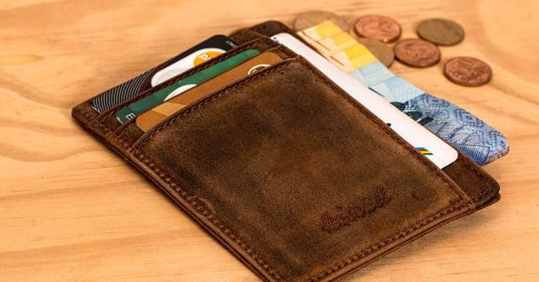kartice i novac u novcaniku